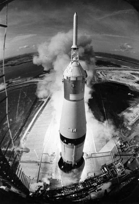 <p>O lançamento da Apollo 11 deu início à missão que levou o primeiro homem a pisar na Lua</p>