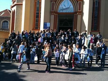Na chegada o grupo tirou a foto oficial do grupo em Porto Alegre