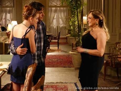 <p>Pilar aprova o casamento de Thales e Nicole</p>