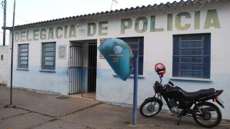 Padastro da criança está preso desde domingo na delegacia de Planalto, na Bahia