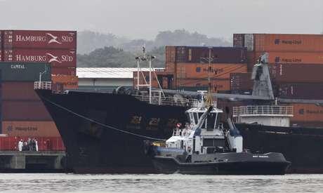 """El Gobierno de Cuba admitió este martes que el barco norcoreano detenido en Panamá con supuestos misiles que habrían salido de la Isla, en realidad portaba armamento """"obsoleto"""" para ser reparado y regresado al país caribeño."""
