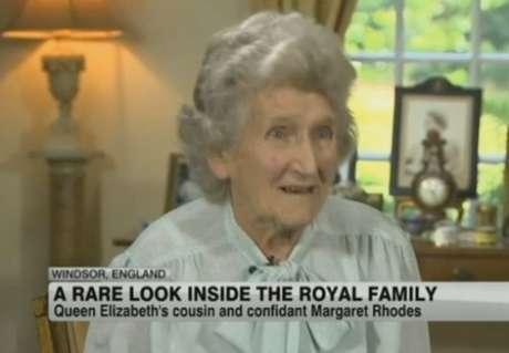 <p>Margaret Rhodes em entrevista para a rede de notícias <em>CNN</em></p>