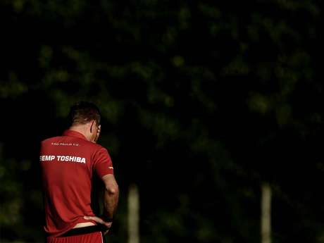 <p>Autuori deixou Juan fora de partida contra o Cruzeiro</p>