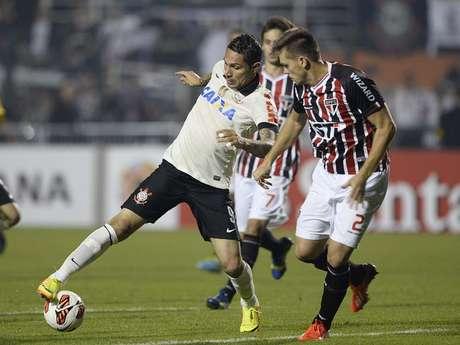 <p>Atacante peruanodeve ser substituído por Alexandre Pato no Corinthians</p>