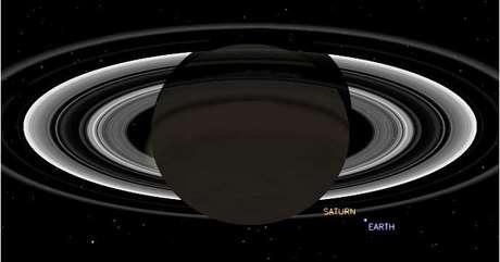 Simulação mostra como deve ser a vista da Cassini ao fazer o registro da Terra a partir de Saturno