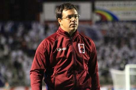 <p>Treinador paranista valorizou o elenco e pediu ajuda financeira para que o Paraná tenha condições de subir à Série A</p>
