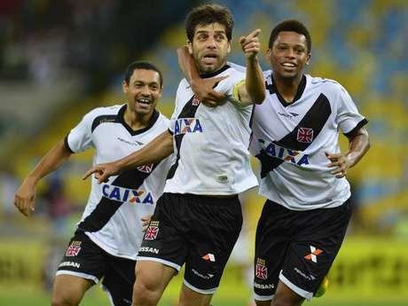 <p>Após fazer o gol,Juninho apontou para o setor em que estava a torcida do Fluminense no Maracanã</p>