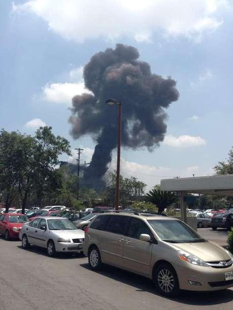 Fuerte explosión se registró en una de las naves de la trasnacional acerera en Monterrey