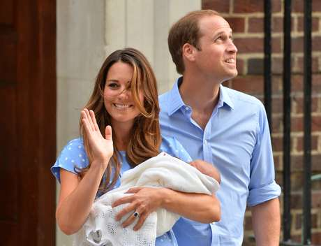 Primeira aparição do bebê real