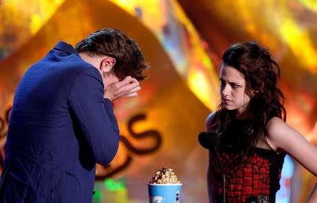 <p>Kristen Stewart e Robert Pattinson no MTV Movie Awards</p>