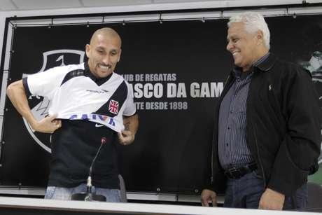 <p>Guiñazu, 35 anos, reforçará o meio de campo do Vasco no Brasileiro</p>