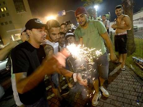 <p>Paraguaios reclamaram dos fogos disparados por torcedores do Atlético-MG para minar o sono dos jogadores do Olimpia</p>