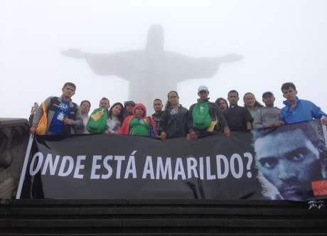 """<p>ONG Rio de Paz fez protesto no Cristo Redentor com uma faixa com a pergunta: """"Onde está Amarildo?""""</p>"""
