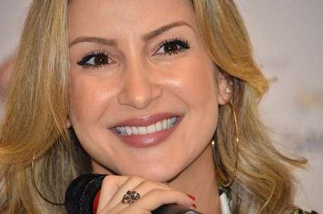 <p>Claudia Leitte gravar seu novo DVD no dia 3 de agosto em Recife</p>