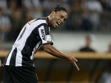 <p>Interesse do clube turco por Ronaldinho não é recente, mas ida de Assis a Istambul volta a aumentar especulações de saída do meia</p>