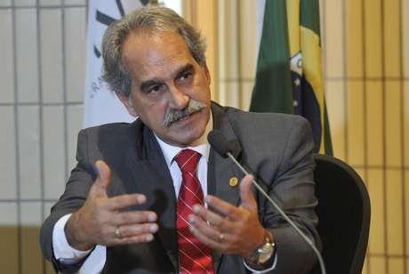 Roberto D'Ávila, do CFM, quer carreira de médico semelhante a procuradores e militares