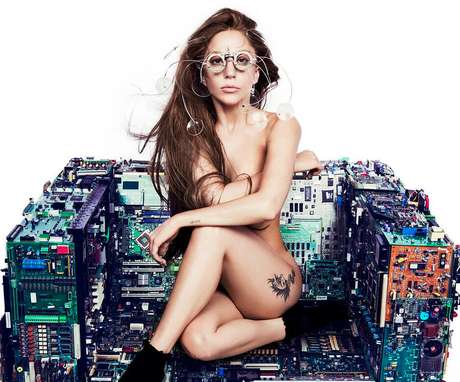 <p>Gaga promove single do Artpop</p>