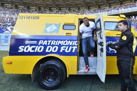 <p>J&uacute;lio Baptista tem sido tratado como refor&ccedil;o de peso pelo clube de Belo Horizonte</p>