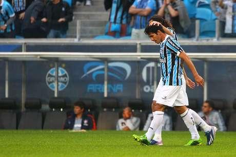 Paraguaio Riveros estreou com gol pelo Grêmio contra o Fluminense