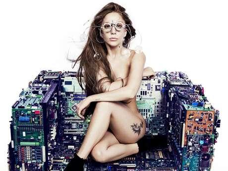 """<p>Lady Gaga posó encuerada en una imagen promocional de su próximo álbum """"ARTPOP"""".</p>"""