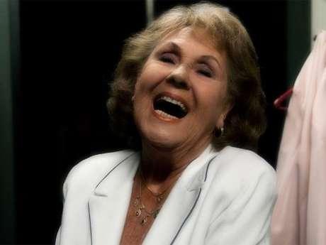 Cantora sorri em foto postada em rede social; ela foi uma das grandes vozes do jazz europeu