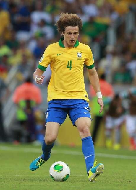 <p>Atitude de David Luiz em aceitar um salário menor reativou o interesse do Barça no zagueiro</p>