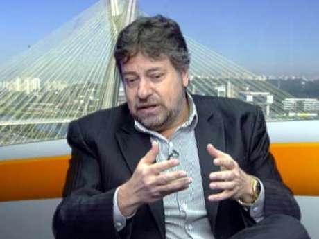 <p>Júlio Casares concedeu entrevista ao <strong>Terra</strong> nesta quarta</p>