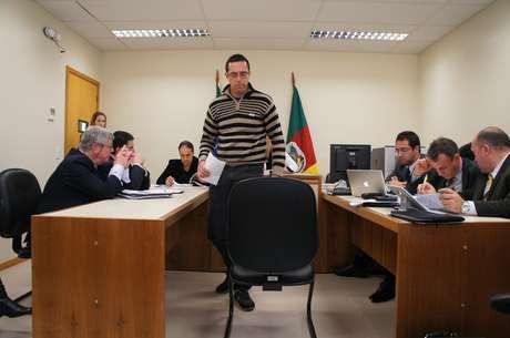 Baterista Eliel Bagesteiro de Lima afirmou que a boate estava superlotada no dia da tragédia