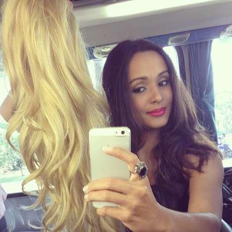 Thaíssa Carvalho ficou loira para 'Flor do Caribe'