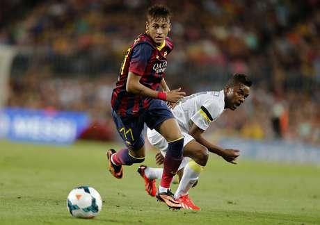 <p>Santos, por sua vez, tenta recuperar imagem após ser humilhado pelo Barcelona</p>