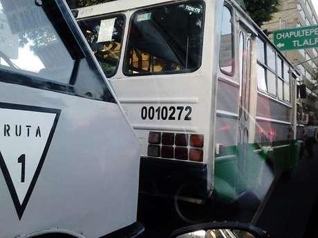 Para transporte público colectivo de pasajeros local y metropolitano, así como público, privado y mercantil de carga, se deberá ingresar a la página www.revista.setravi.df.gob.mx