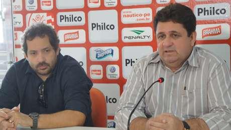 Diretor de futebol, Marcílio Salles (direita) explicou confusão na negociação de Willian Rocha