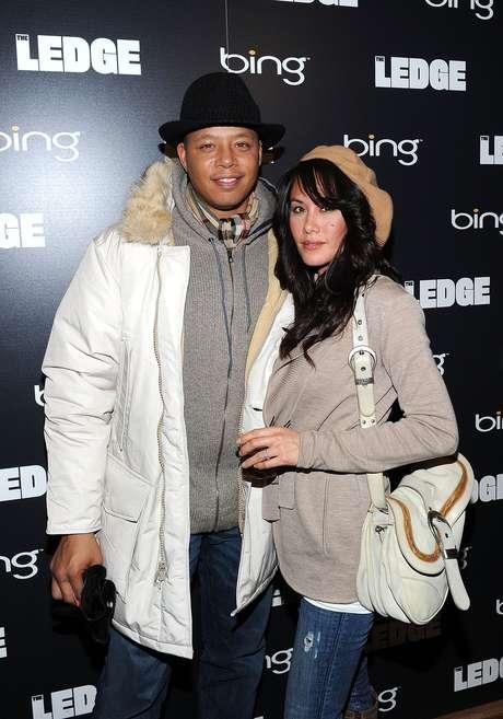 O ator Terrence Howard ao lado da mulher, Michelle Gant, em evento em janeiro de 2011