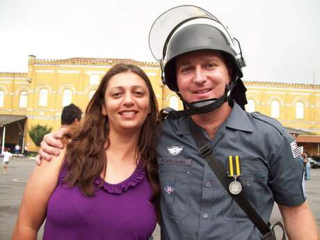 <p>Andreia e Luis Marcelo eram PMs- ela eracabo e ele, sargento</p>