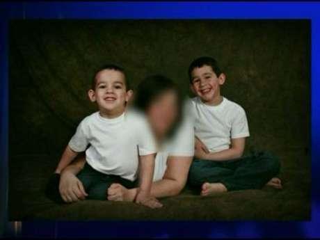 <p>Noah e Connor Barthe, de 4 e 6 anos, foram encontrados mortos na manhã de segunda-feira</p>