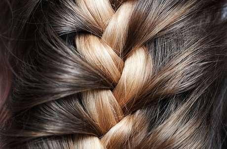 Los cristales líquidos el medio para los cabellos