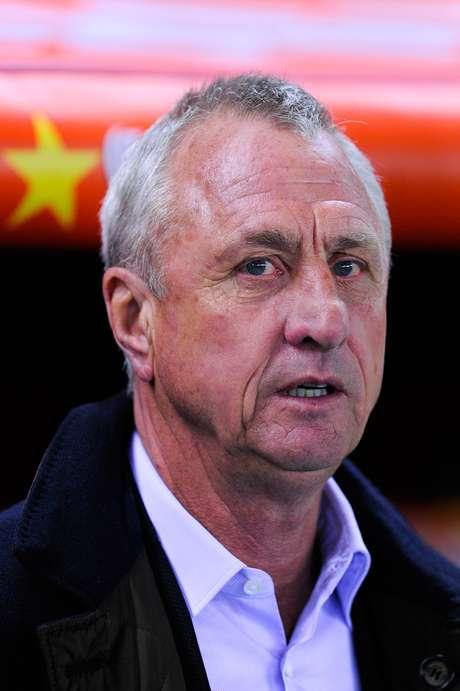 <p>Cruyff está cauteloso sobre o sucesso da dupla Messi e Neymar</p>