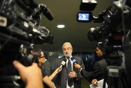 "Ivan Valente (Psol-SP) afirmou que Aelton Freitas dá ""aula de péssimo exemplo"""