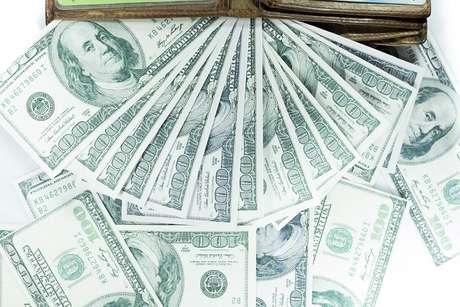 Durante a alta do dólar, é comum o Banco Central realizar leilões para conter a subida da moeda
