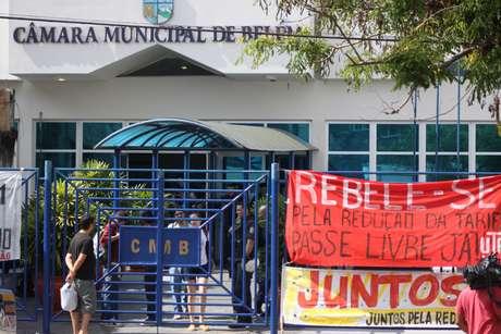 As entidades estudantis que pressionam pelo passe livre afirmaram que não ficarão de braços cruzados