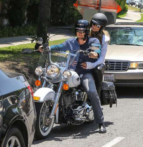 A modelo foi fotografada em Santa Monica, nos Estados Unidos, no último sábado (3)