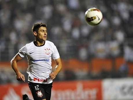 <p>Ex-Corinthians,&nbsp;Alex pode fazer primeira partida desde retorno ao Internacional</p>