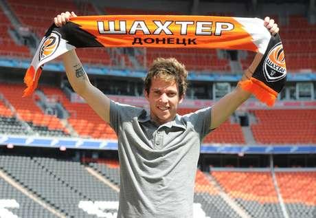 Atacante Bernard é apresentado como novo reforço da equipe do Shakhtar Donetsk