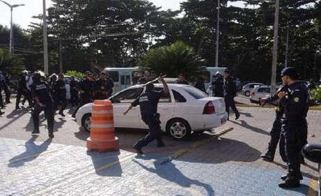 Bombas de gás lacrimogêneo e balas de borrachas foram utilizadas pela Guarda Municipal