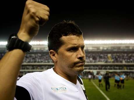 <p>Claudinei Oliveira não seguirá no Santos para 2014; clube, agora, tenta fechar com um novo comandantepara a próxima temporada</p>
