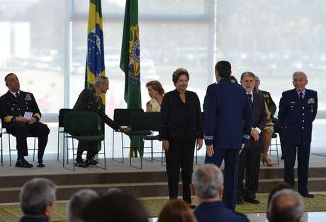 <p>Dilma e Amorimparticiparam de cerimônia de apresentação de oficiais-generais promovidos, no Palácio do Planalto</p><p></p>