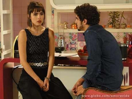 <p>O médico argumenta que Patrícia não quer relacionamento sério e que por isso pode ser sua amante</p>