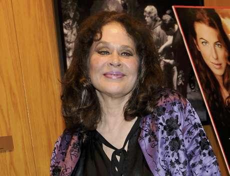 """En esta foto del 11 de junio del 2009, la actriz Karen Black, miembro del reparto de """"Irene in Time"""", durante la premiere del filme en Los Angeles. Black murió el miércoles 7 de agosto del 2013 a causa de un cáncer, dijo su esposo, Stephen Eckelberry. Tenía 74 años."""