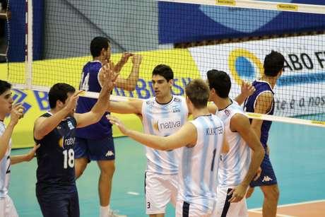 <p>Sele&ccedil;&atilde;o argentina fechou jogo contra Paraguai com facilidade: 3 sets a 0</p>