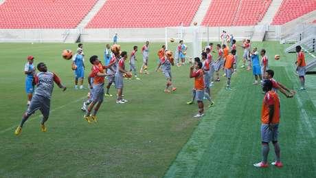 Náutico só treinou uma vez na Arena Pernambuco